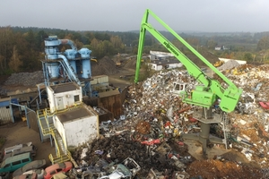 """<div class=""""bildtext"""">Investing in new technology: At Zlompol in Tarczyn in Poland, a SENNEBOGEN 8100 EQ with a range of 27 m and an electric motor feeds the shredder</div>"""