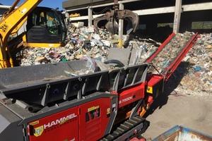 """<div class=""""bildtext"""">HAMMEL konnte die Leistungsfähigkeit seiner Maschinen in verschiedenen Materialien wie Altholz, Müll sowie Metallprofile beweisen</div>"""