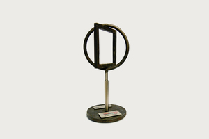 """<div class=""""bildtext_eng"""">In addition to the prize money of 25 000 €, Dr. Laura Woltersdorf also received a sculpture forged from the rails of the Wuppertal overhead railway</div>"""