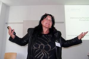 """<div class=""""bildtext_eng"""">Dipl.-Chem. Karin Jacob-Seifert, FNE Entsorgungsdienste Freiberg GmbH</div>"""