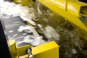 """<div class=""""bildtext"""">Mit der UniSort Film können Unternehmen auch federleichte Plastikfolien mit hoher Geschwindigkeit aussortieren</div>"""