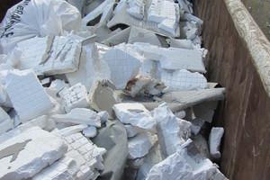 """<div class=""""bildtext_eng""""><span class=""""bildnummer"""">5 </span>EPS waste from a <br />demolition projects</div>"""