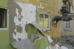 "<div class=""bildtext_eng""><span class=""bildnummer"">1 </span>Demolition project</div>"