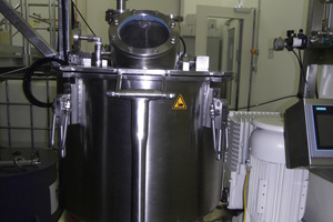 "<div class=""bildtext_eng""><span class=""bildnummer"">11</span> Centrifuge incorporating final-clarification tank</div>"
