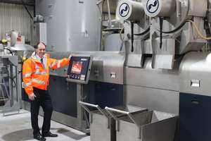 "<div class=""bildtext_eng"">Mark Roberts, Managing Director at PLASgran, is clearly satisfied with the performance of his new machine: the new INTAREMA<sup>® 2018 TVEplus® RegrindPro achieves 2500 kg/h at the UK regrind specialists</sup></div>"