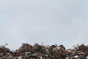 """<div class=""""bildtext"""">Konzentration auf Abfall als wertvolle Ressource</div>"""