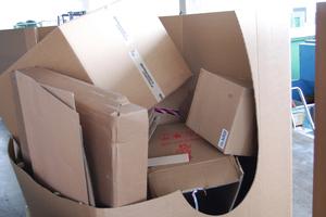 """<div class=""""bildtext_eng"""">Loose cardboard</div>"""