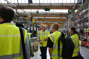 Guided tour through the company