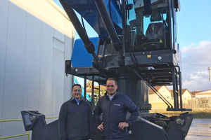 "<div class=""bildtext_en"">Have implemented the project at van Dijk Conatiners: Markus Struppler (right), head of the APC, and Martin Bosler, sales engineer at the APC</div>"