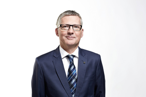 "<div class=""bildtext"">Manfred Hackl, CEO EREMA Group GmbH </div>"