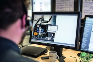 """<div class=""""bildtext_en"""">Vecoplan's Live Service gives its maintenance technicians access to the controller so that they can analyse and eliminate errors in real time</div>"""