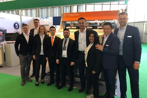 "<div class=""bildtext_en"">The TOMRA team presenting INNOSORT FLAKE at PRSE</div>"