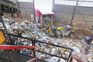 "<div class=""bildtext_en"">Hündgen in Swisttal/Germany sorts 30 truckloads of lightweight packaging waste every day, preparing it for different recycling channels </div>"