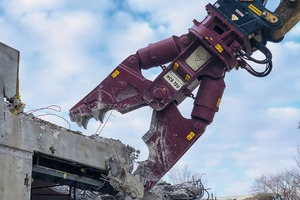 """<div class=""""bildtext_en"""">Hydraram will be giving a live, up-close demonstration of its new demolition tools at RecyclingAKTIV, including the HCS-72U demolition shears for concrete and steel </div>"""