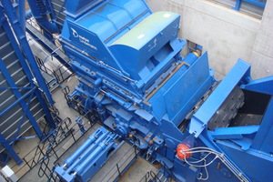 """<div class=""""bildtext_en"""">Metal recycling with a Metso shredder, with the actual shredding unit in the middle </div>"""
