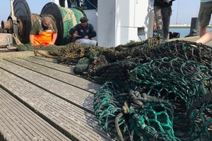 "<div class=""bildtext_en"">The nets and net remnants now recovered off the coast of Rügen are then recycled</div>"