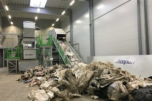 """<div class=""""bildtext_en"""">Vecoplan works closely with its customers to find a suitable shredding solution for the various plastics for each application.</div>"""