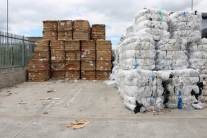 "<div class=""bildtext_en"">Around 800 to 1000 t of cardboard are collected each month</div>"