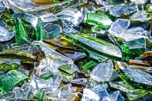 "<div class=""bildtext_en"">Glass recycling – </div><div class=""bildtext_en"">a growing market</div>"