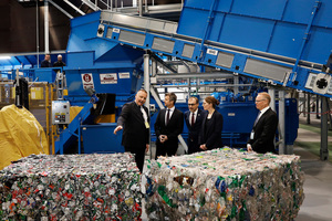 "<div class=""bildtext_en"">From left: Lars Krejberg; HRH The Crown Prince; Mayor Michael Ziegler; Minister Lea Wermelin and Thomas Dalsgaard</div>"