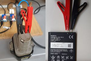 """<div class=""""bildtext_en"""">17 Discharge tests on a tool battery and a mobile phone battery</div>"""