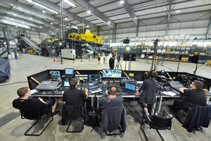 "<div class=""bildtext_en"">Live stream from the new test and development centre</div>"