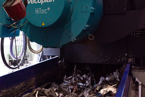 """<div class=""""bildtext_en"""">Shredders efficiently process packaging made from plastic, metal and composite materials. Household waste is another input material. The rotor drive is a key element</div>"""