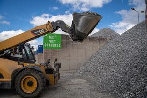 """<div class=""""bildtext"""">Aluminium Altschrott </div><div class=""""bildtext"""">aus dem Recycling </div>"""