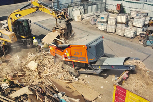 """<div class=""""bildtext_en"""">The recycling company Gal Michsur processes, among other things, waste wood with the IMPAKTOR 250 evo</div>"""