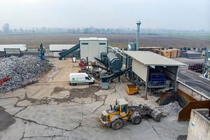 """<div class=""""bildtext_en"""">Aluminum recycling plant</div>"""